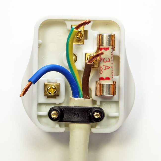 plug wire colours how to wire a plug rh plugwiring co uk rewiring a plug for 4 prongs rewiring a plug with 2 wires
